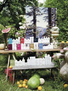 Frisørsalon Næstved, hylde med frisør produkter
