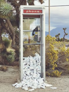 Frisørsalon Næstved, telefonboks med frisør produkter